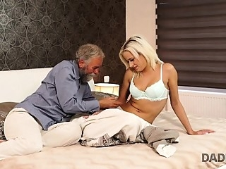 blonde blowjob cuckold